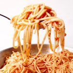 louche de spaghetti aux légumes