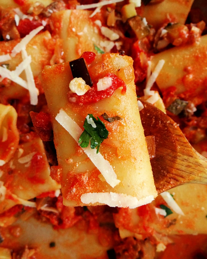 pasta with ricotta and tomato sauce