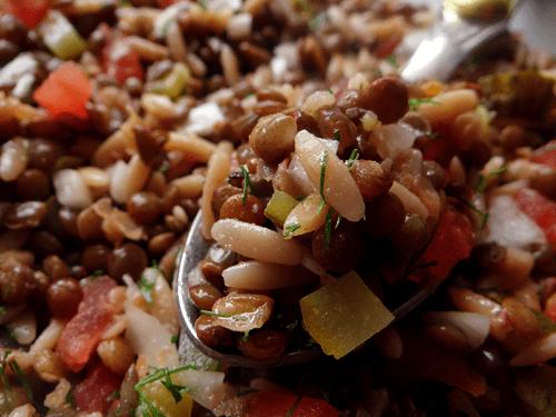 mercimek salatası on a spoon