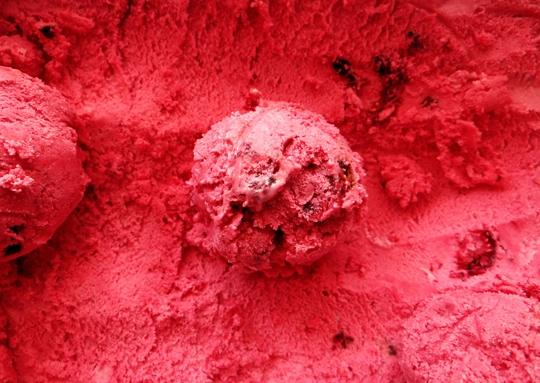 homemade raspberry ice cream