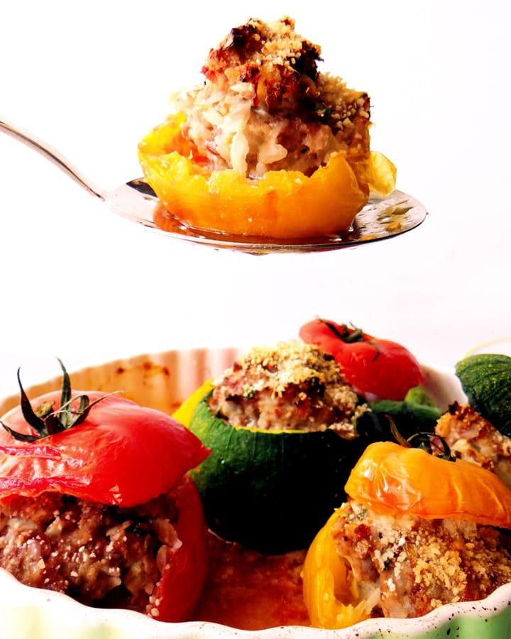 tomates et courgettes farcies dans plat