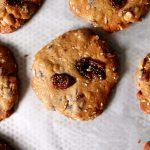 cookies à l'avoine sur plaque de cuisson