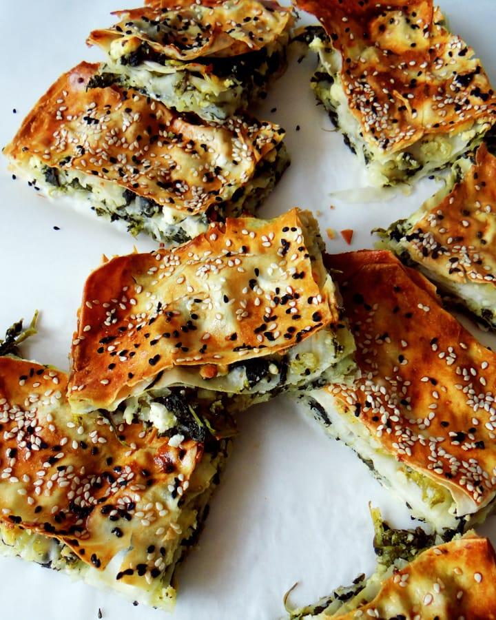 tranches de börek aux épinards