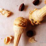 glace au caramel sur cones