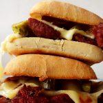 corned beef sandwich on a bun