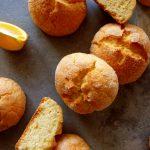 biscuits à l'orange sur planche