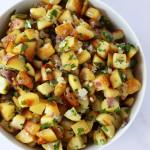 pommes de terre rissolées sur assiette